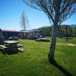 Área recreativa y chiringuito junto al río